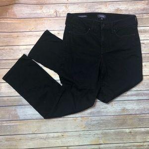 🔴3/$25 NYDJ Black Straight Jeans